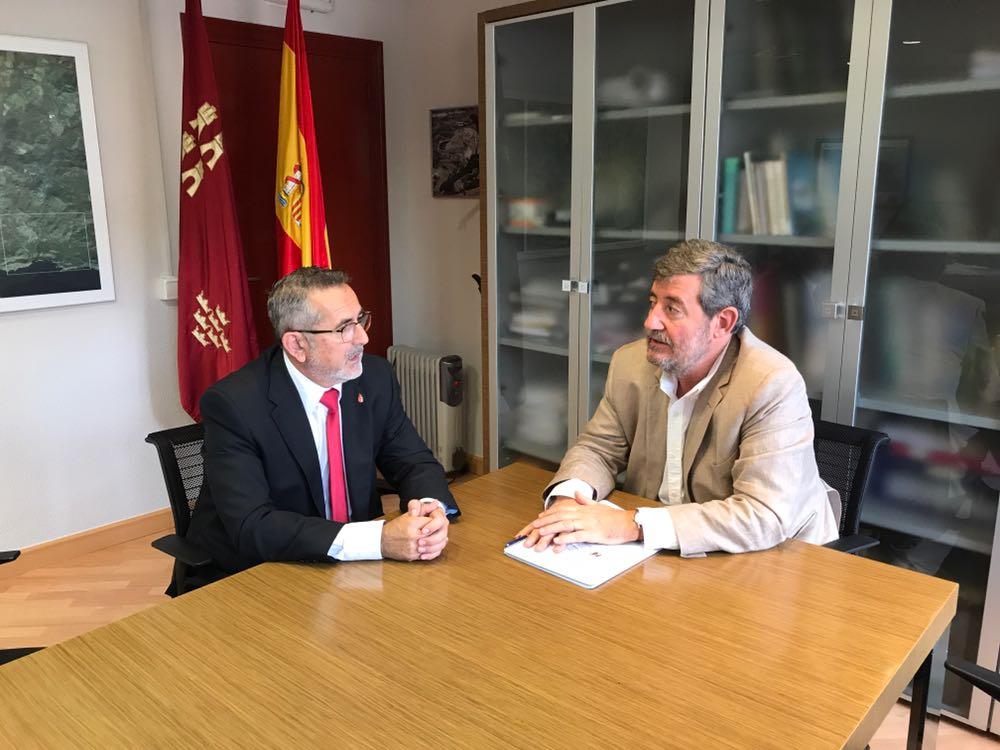 Los suelos contaminados, tema prioritario en la reunión que el alcalde ha mantenido con el Director General de Medio Ambiente