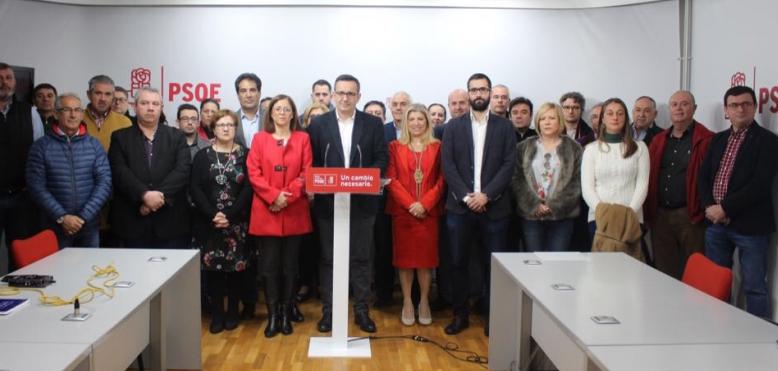 El PSOE afirma que es inmoral recurrir al clientelismo y a la compra de voluntades para aferrarse al poder.